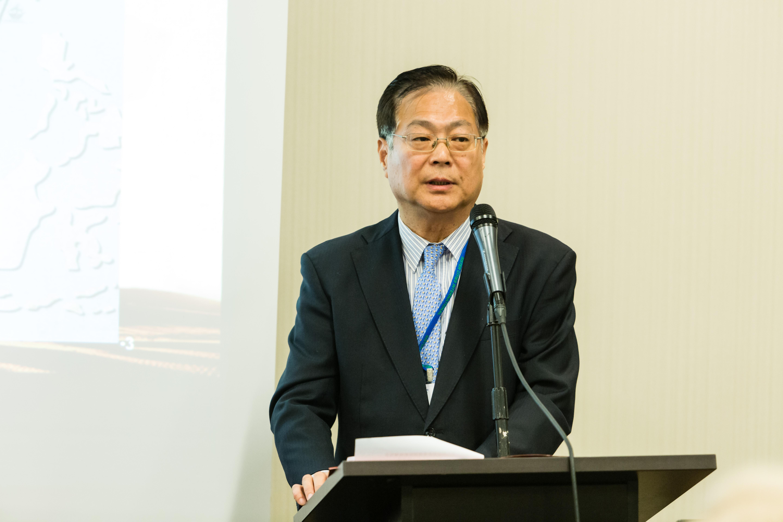 Xie Yuan Speaks to Silk Road Track Attendees