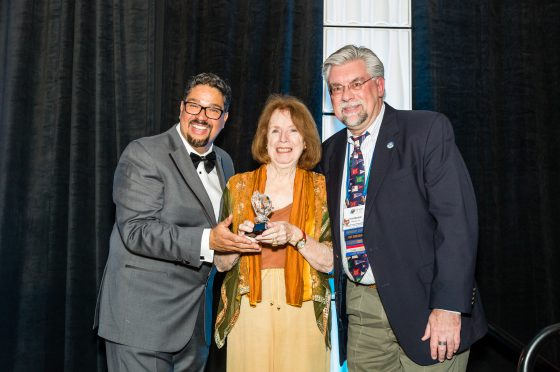 Kathleen Roche-Tansey Receives Ruth Hashimoto Award